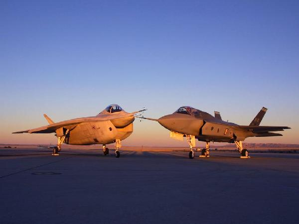 Boeing X-32 and Lockheed Martin X-35